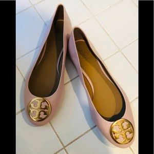 Shoes with very light pink color